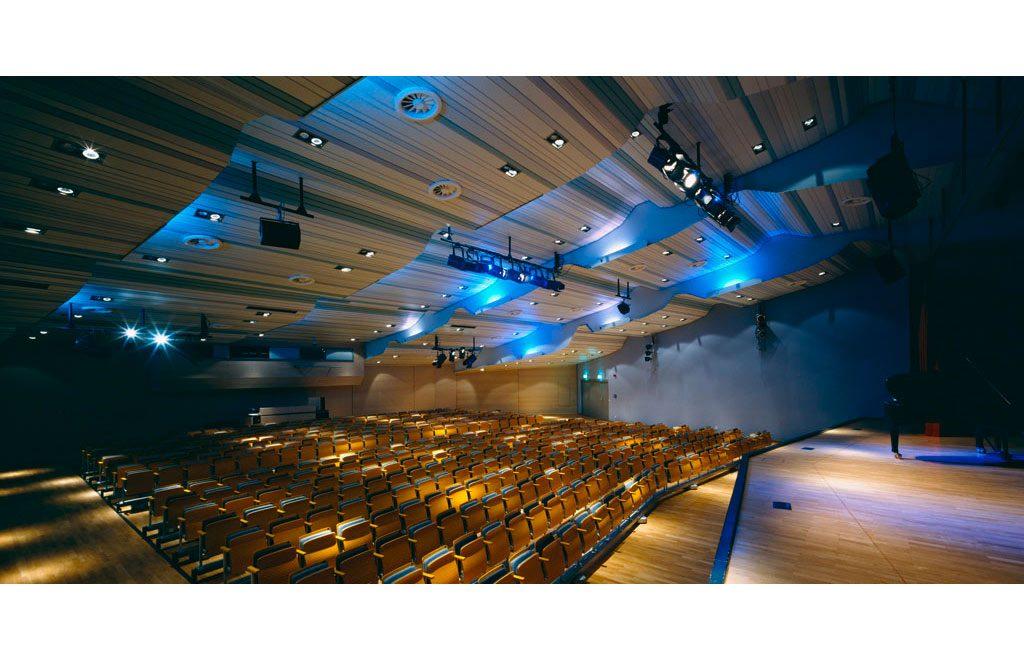 Sanierung Umbau Bildungsstätte Veranstaltungsgebäude