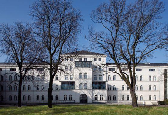 BUNDESWEHRKRANKENHAUS BERLIN,  Renovation of existing building 1.3 with three operating rooms