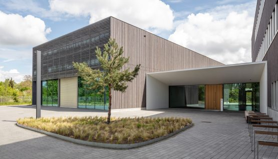 New research building in Braunschweig: Center for Light and Environmentally-FriendlyStructures ZELUBA Fraunhofer Institute for Wood Research, Wilhelm Klauditz Institute WKI