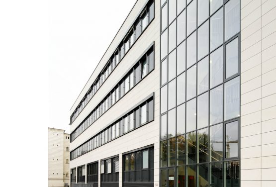 BUNDESWEHRKRANKENHAUS BERLIN,  NEW HOUSE 1.7 WITH INFECTION STATION S3