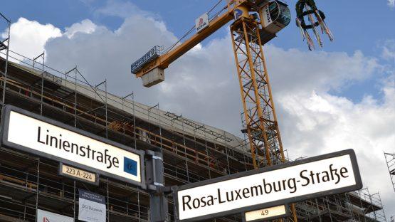 Suhrkamp-Verlagshaus Berlin - Richtfest am Rosa-Luxemburg-Platz