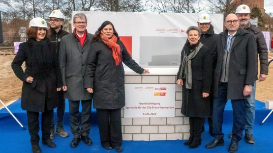 Fast-track Building Programme for School Sports Halls in Berlin Groundbreaking Ceremony