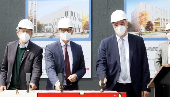Charité Berlin – laying of the foundation stone for innovative research centres BECAT und Si-M