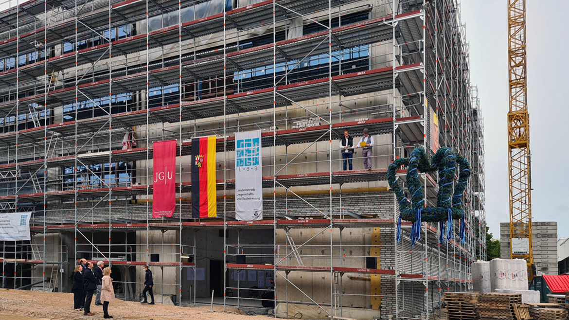 Topping-out ceremony for CFPII laboratory and office building at the future Centre for Fundamental Physics of the Johannes Gutenberg University Mainz